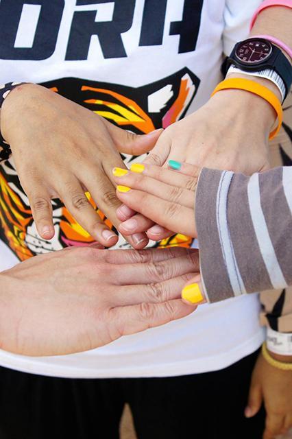 Hands meet Hands